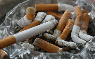 Можно ли курить на балконе своей квартиры по новому закону?